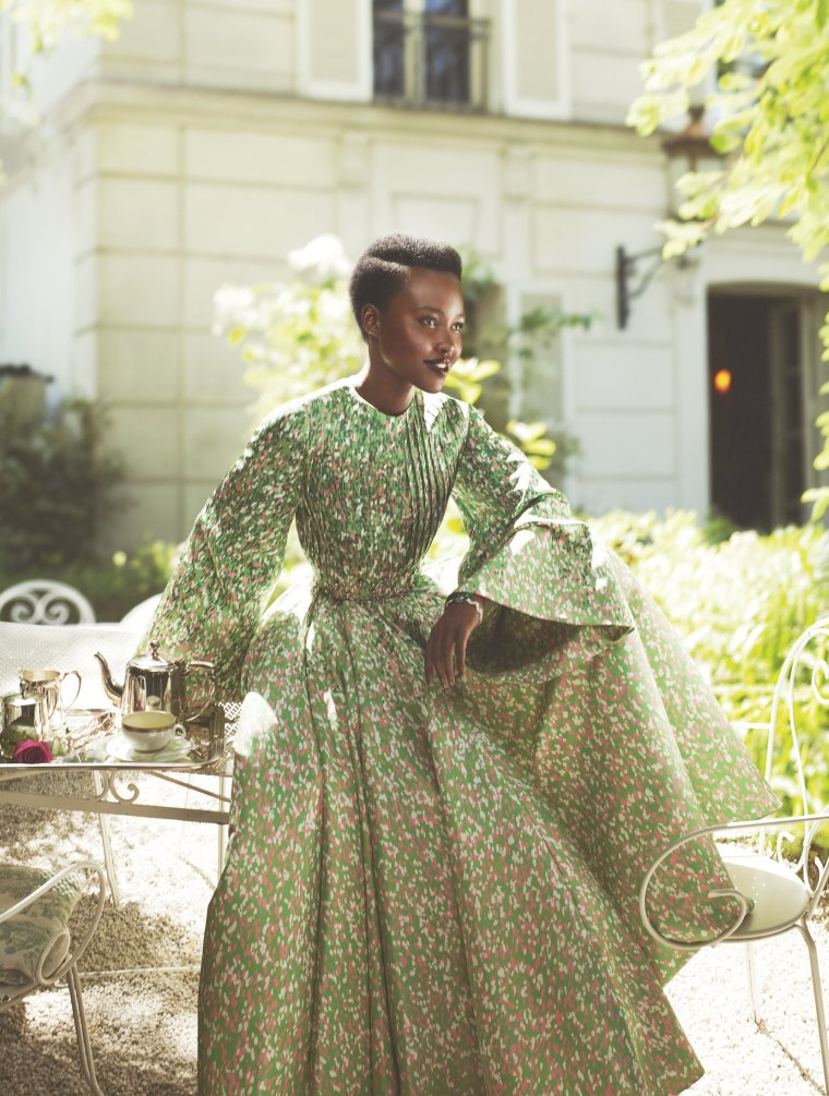 lupita-nyongo-vogue-cover-october-2015-06