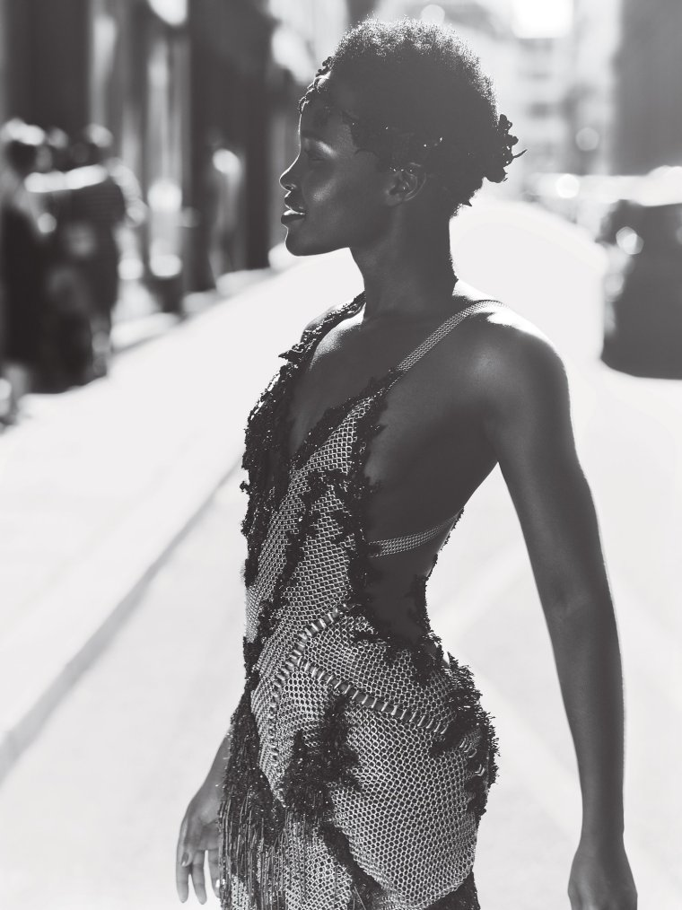 lupita-nyongo-vogue-cover-october-2015-07